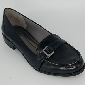 Life Stride Kelly Black Silver Buckle Loafer 8.5